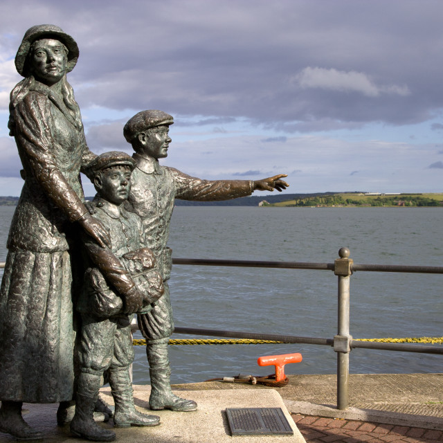 """""""Annie Moore with Brothers Statue"""" stock image"""