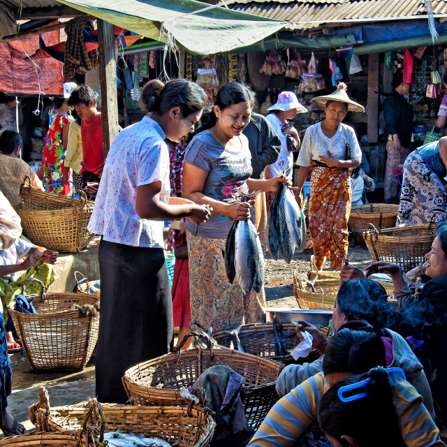 """THANDWE MARKET"" stock image"