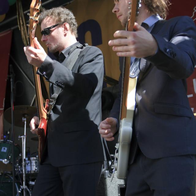 """""""Arry Niemantsverdriet & Martijn Smit play guitar"""" stock image"""