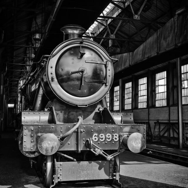 """""""GWR Modified Hall No.6998 Burton Agnes Hall"""" stock image"""