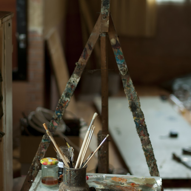 """""""Easel and paint brushes"""" stock image"""