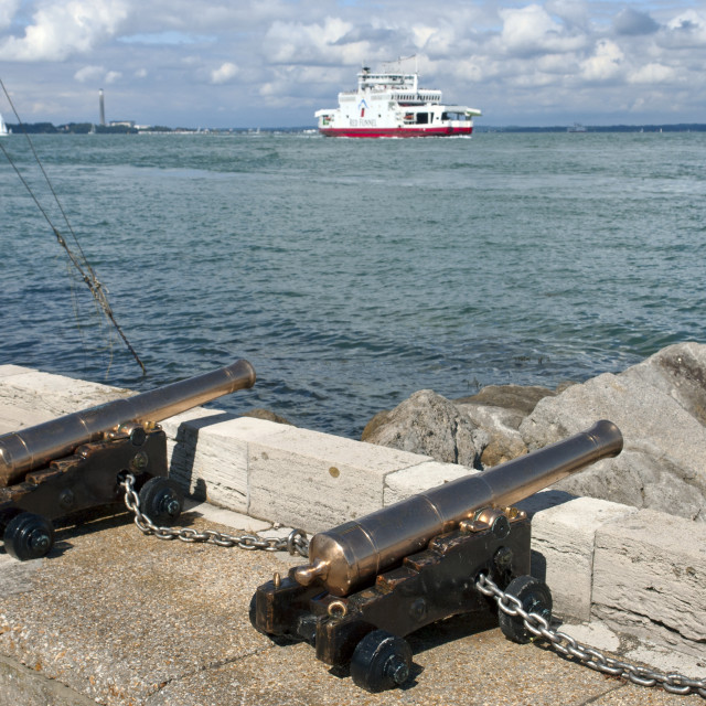 """""""Starting cannons in front of the Royal Yacht Squadron, Cowes, Isle of Wight."""" stock image"""