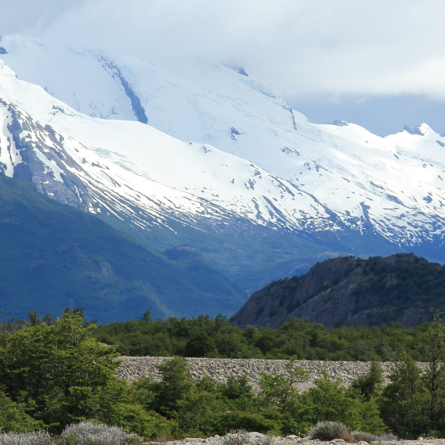 """""""Snow capped mountains on the Piedra del Fraile trail, Los Glaciares National Park, Patagonia"""" stock image"""