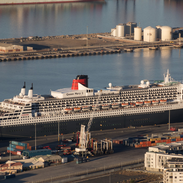 """""""Queen Mary 2 Berthed in Cape Town, South Africa"""" stock image"""