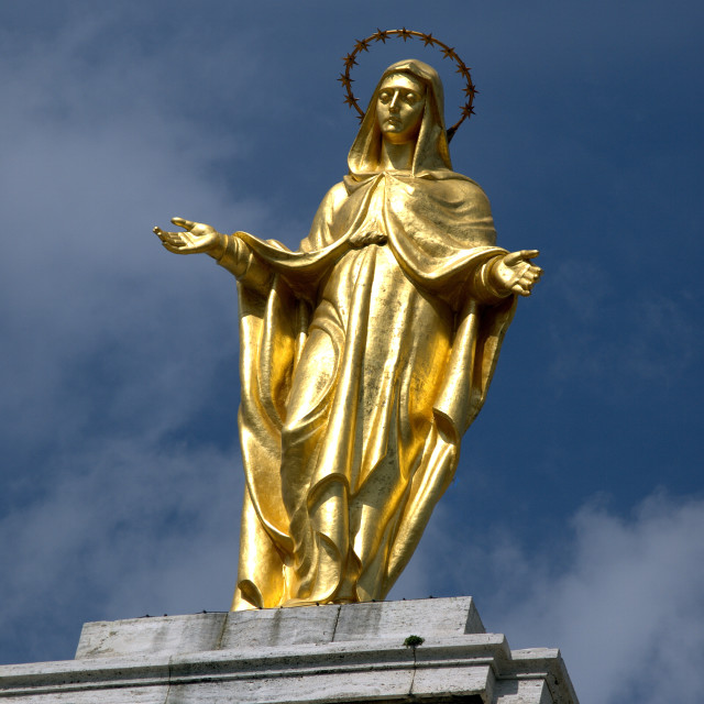 """GOLD STATUE OF THE VIRGIN MARY"" stock image"