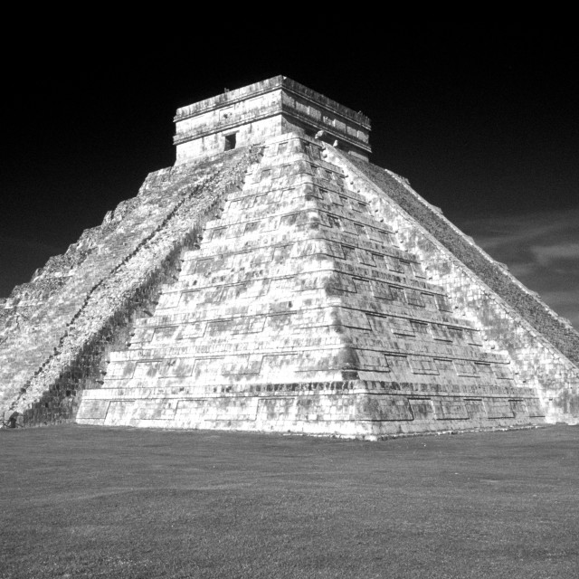 """El Castillo pyramid, Chichen Itza, Mexico"" stock image"