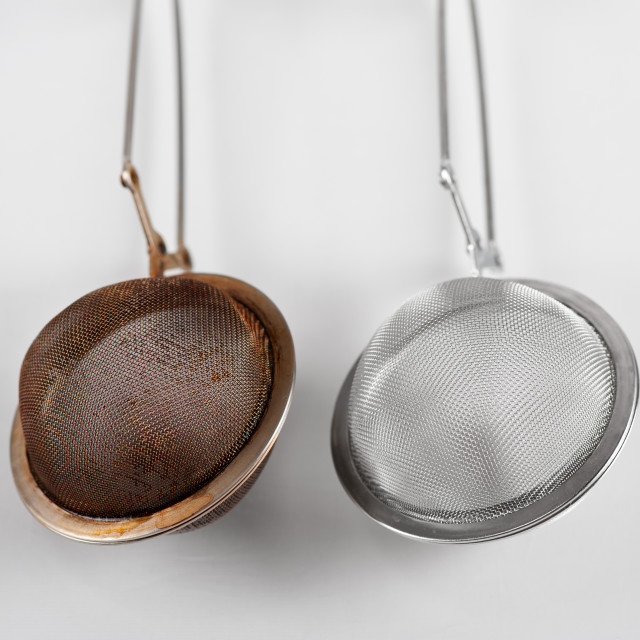 """""""dirty and clear tea infuser"""" stock image"""