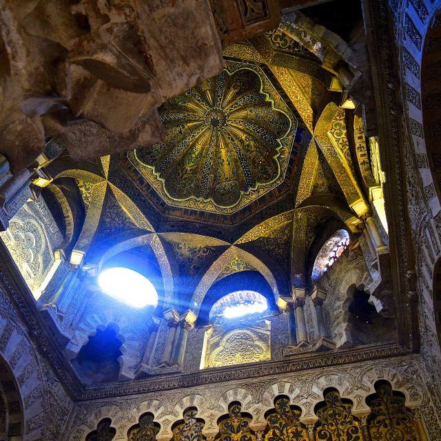 """""""Raggi di luce nella Mezquita di Cordoba"""" stock image"""