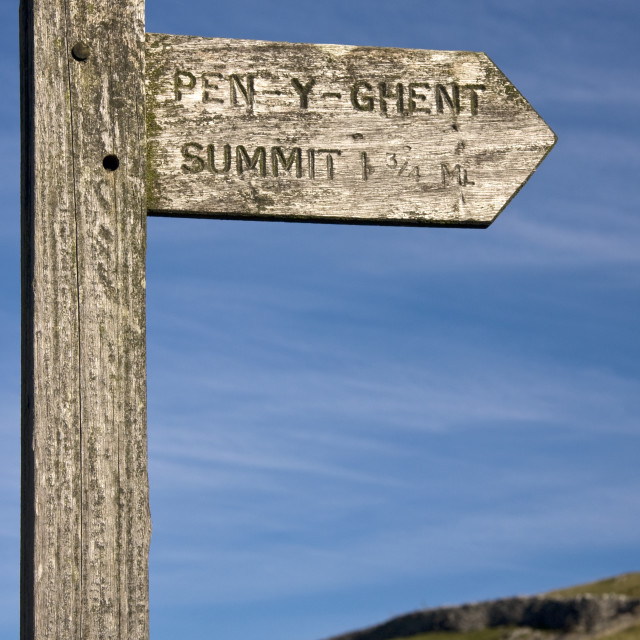 """""""Pen Y Ghent Signpost. Yorkshire dales."""" stock image"""
