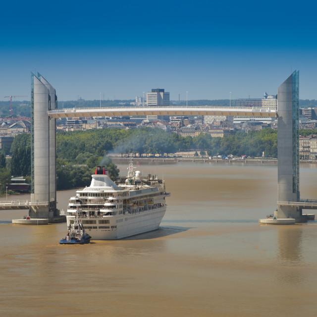 """""""Boat Cruise-France, Aquitaine, Gironde, 33, Bordeaux Bastide, La"""" stock image"""