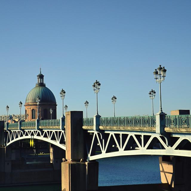 """""""St Pierre Bridge, Toulouse, France"""" stock image"""