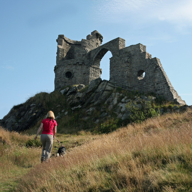 """""""Mow Cop Castle, a Victorian folly at Stoke-on-Trent, Staffordshire"""" stock image"""