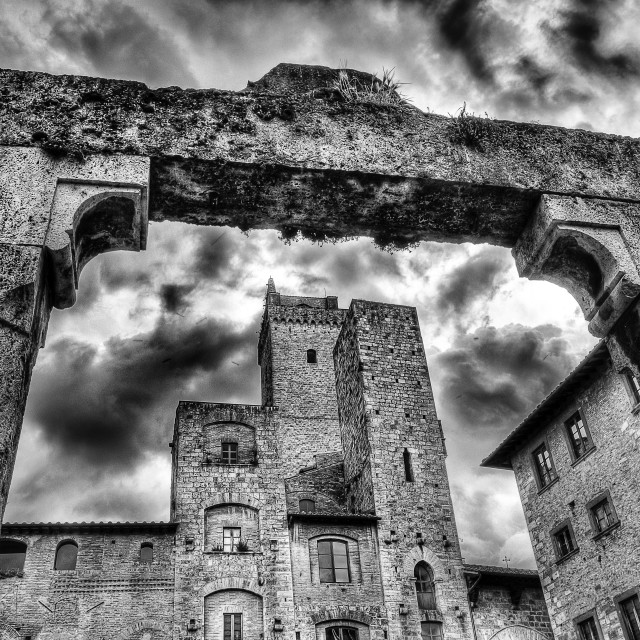 """San Gimignano,medieval village, Square of cistern (Italy) Monochrome"" stock image"