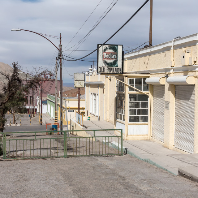"""""""Abandoned streets, Chuquicamata ghost town"""" stock image"""