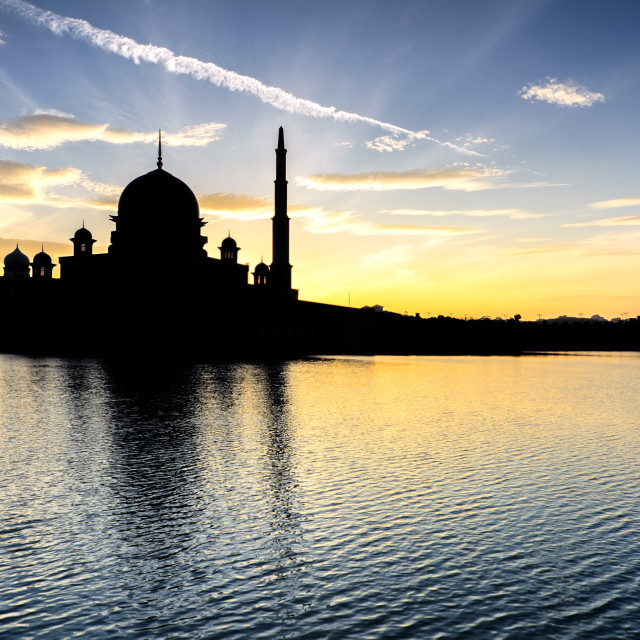 """""""Silhouette of Putra Mosque"""" stock image"""