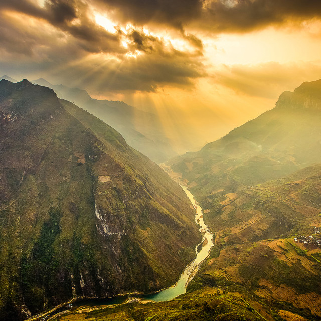 """The dawn of Ma Pi Leng pass"" stock image"