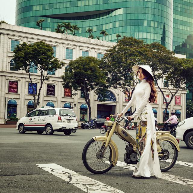 """"""""""" Ao dai """" Viet Nam in Ho Chi Minh city"""" stock image"""