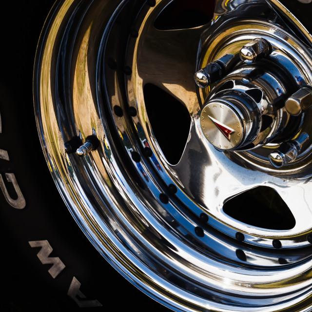 """Pontiac wheel hub and tyre (tire)"" stock image"