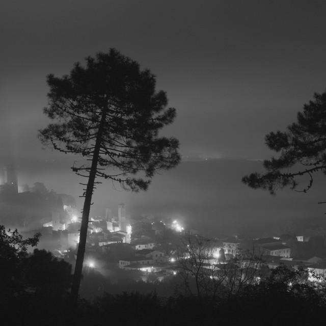 """""""nebbia in città"""" stock image"""