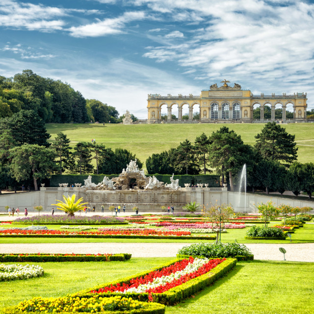 """The Fountain and The Gloriette, Schonbrunn Palace, Vienna"" stock image"