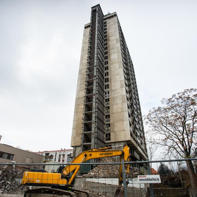 """""""Demolishing the 25 floor building"""" stock image"""