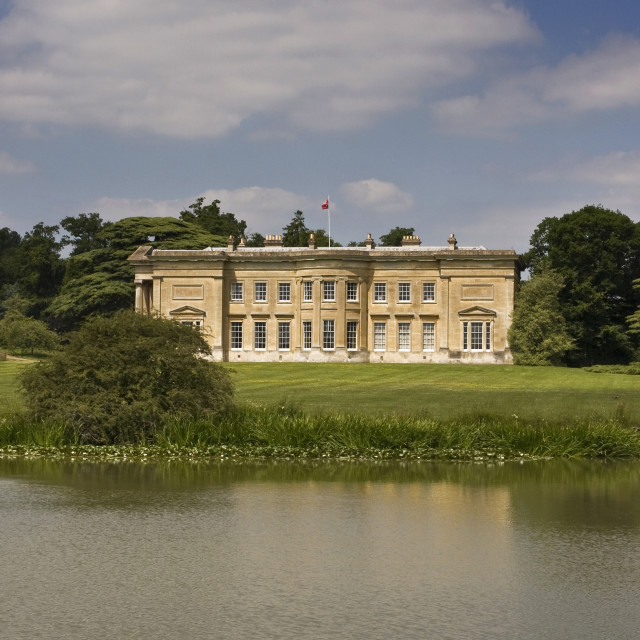 """""""Spetchley House and lake"""" stock image"""