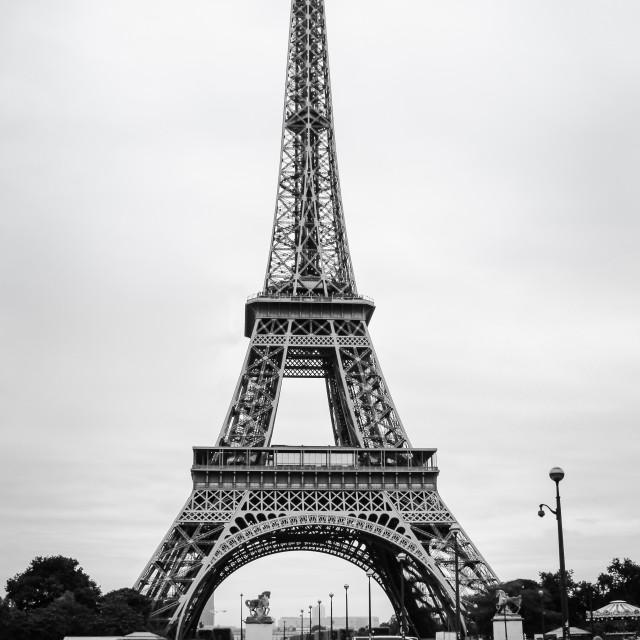 """""""Bridge over to the Eiffel"""" stock image"""