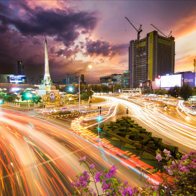 """Victory Monument 