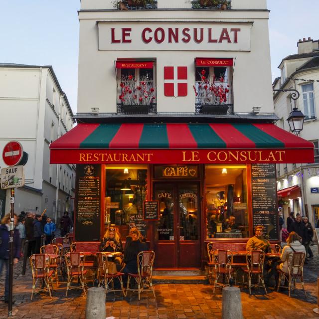 """""""Old café Le Consulat, Parisian cafe, evening, Montmartre, 18th arrondissement, Paris, France."""" stock image"""