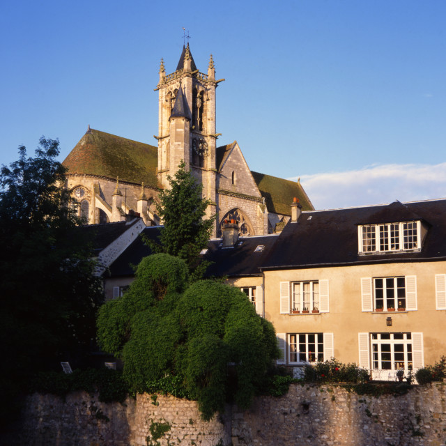 """""""Cathedral and Houses, Moret-sur-loing"""" stock image"""