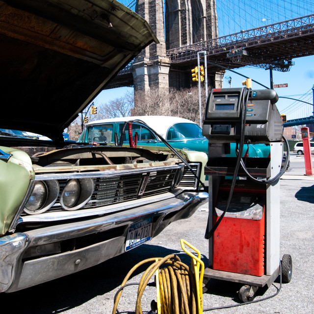 """Garage Brooklyn Bridge"" stock image"