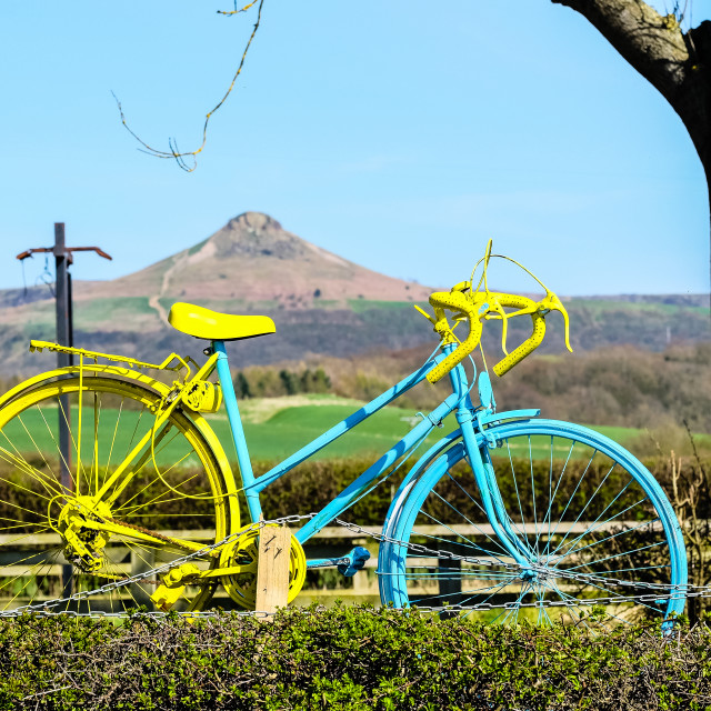 """Tour de Yorkshire 2016 painted bike frames Roseberry Topping (wide)"" stock image"