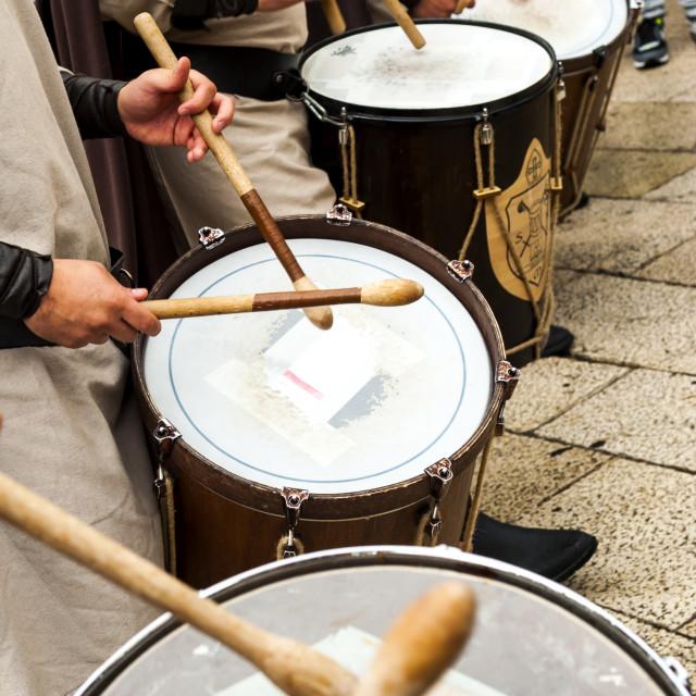 """Altamura, Italy - April 25, 2016: musical group in medieval costume parade through the streets of Altamura. Fifth edition of ""Federicus - Medieval Festival"" - Altamura, Puglia."" stock image"