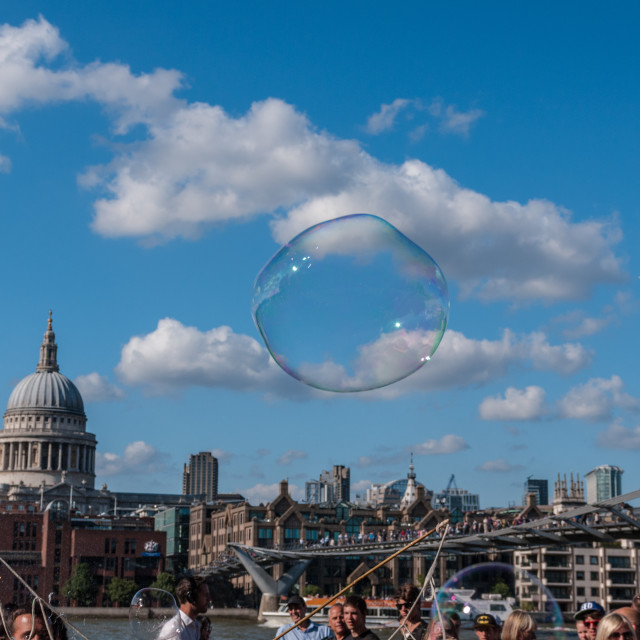 """""""Bubble floating above tourists on South Bank"""" stock image"""