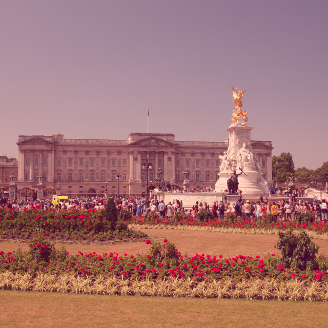 """""""The Victoria Memorial in front of Buckingham Palace"""" stock image"""