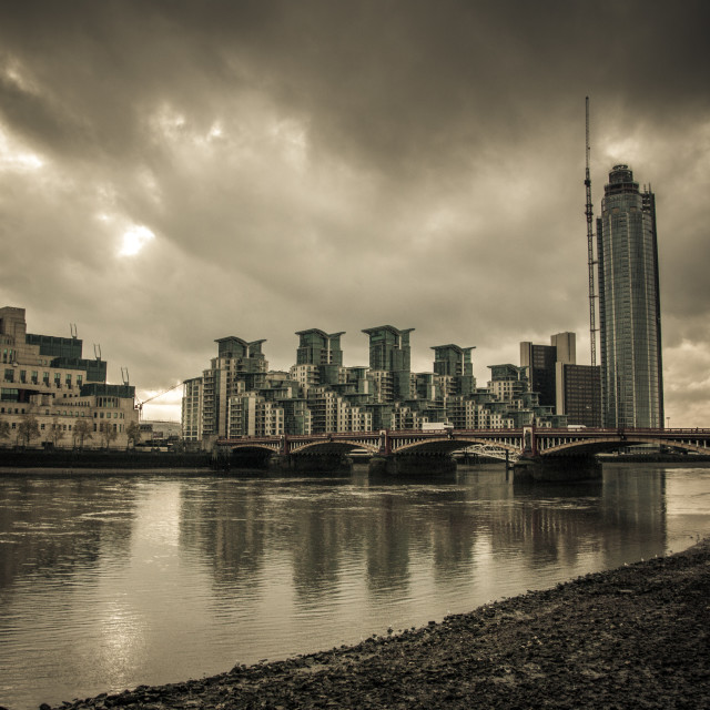 """""""Vauxhall Bridge and Residential apartments"""" stock image"""