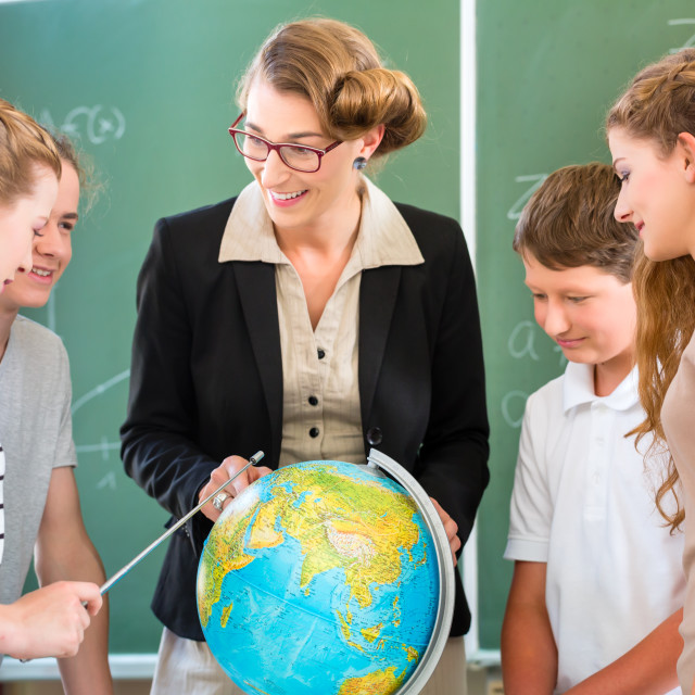 """Teacher educate students having geography lessons in school"" stock image"