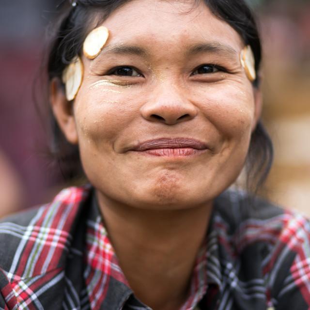 burmese-women