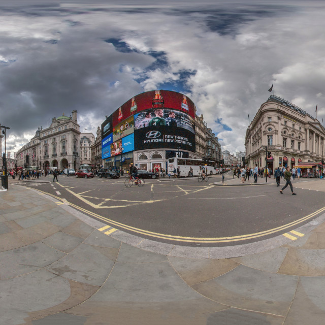 """""""Piccadilly Circus 360"""" stock image"""