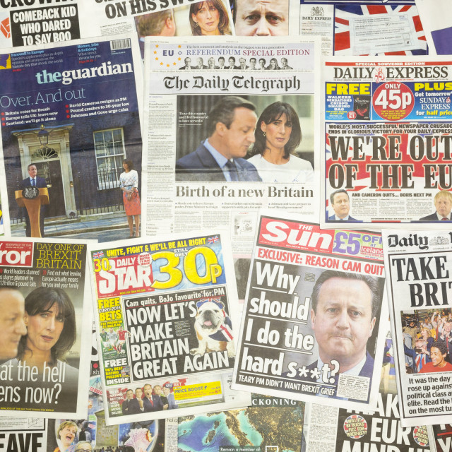 """""""British newspaper front pages reporting Prime Minister David Cameron resigning after the EU Referendum"""" stock image"""