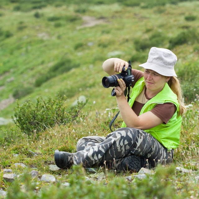 """""""Nature photographer taking pictures"""" stock image"""
