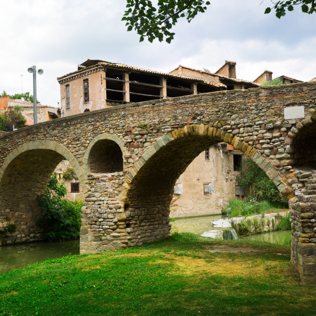 """""""View of old stone bridge in Vic"""" stock image"""