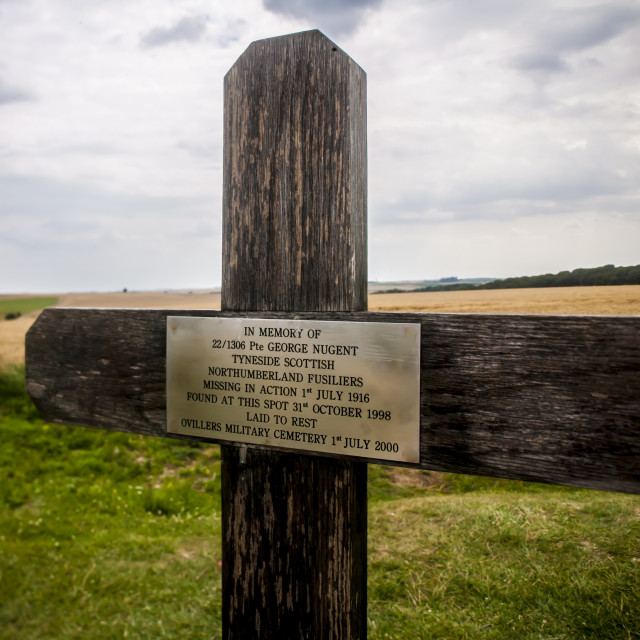 """Memorial cross to Pte George Nugent ,WW1 Lochnagar Mine Crater, La..."" stock image"