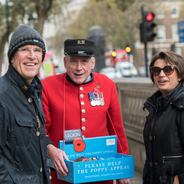 """""""Chelsea Pensioner collecting for the poppy appeal"""" stock image"""