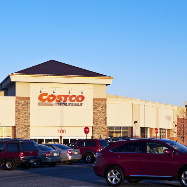 """Costco wholesale shopping club."" stock image"