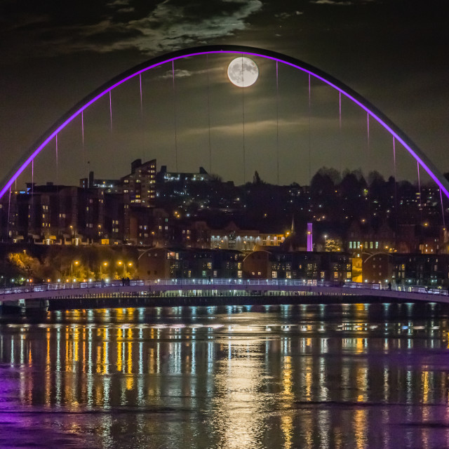 """Full Moon on the Tyne"" stock image"