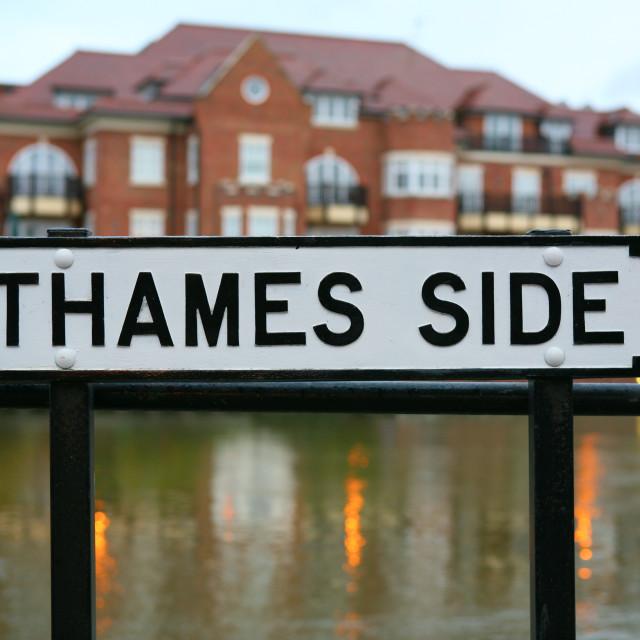 """""""Thames Side sign Winsor"""" stock image"""