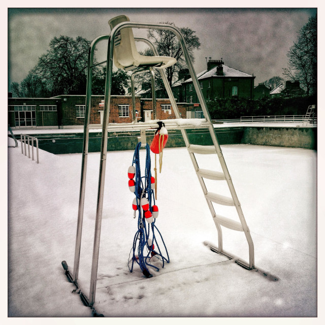"""""""Brockwell Lido in the Snow"""" stock image"""