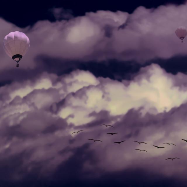 """""""Nubes con ave y globo aerostático"""" stock image"""