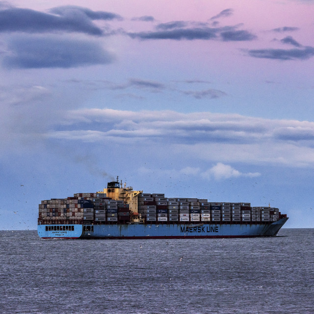 """""""Maersk container ship departs from Chesapeake Bay on delivery, Virginia, USA"""" stock image"""
